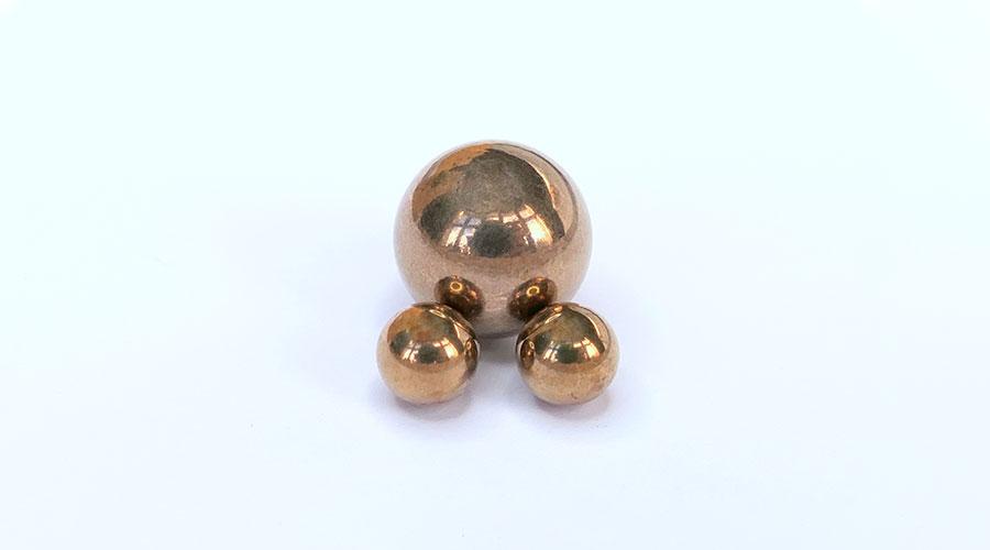Bronze Kugeln